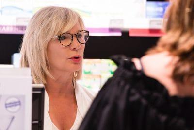 Sabrine Elsen exerce son métier de pharmacienne à Chaudfontaine